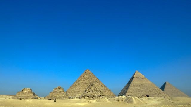 Promienie kosmiczne mogą nam pokazać wnętrze piramidy